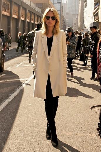 Elin Kling is minimalist chic at Ralph Lauren,  Go To www.likegossip.com to get more Gossip News!