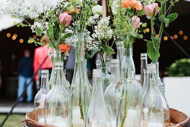 Dat wordt flesjes verzamelen // Fotograaf: Arma fotografie // Girls of honour