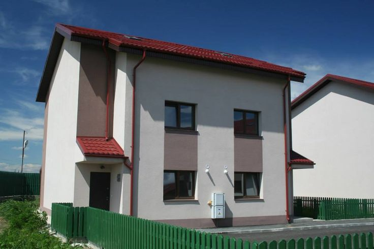 SAFIR VILLA This villa has a generous area, with an attic which can me subsequently designed to meet your needs. The garden of the house offers you a real relaxation and quietness oasis for the time spent with your family and friends.This way, your life quality is considerably improved!
