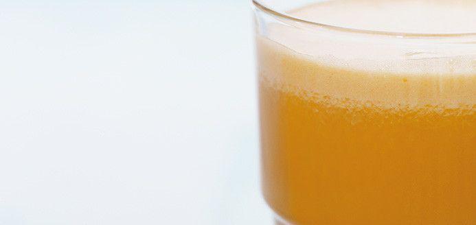 Jus tonifiant à l'ananas, aux carottes et aux pommes Recette santé de Ricardo