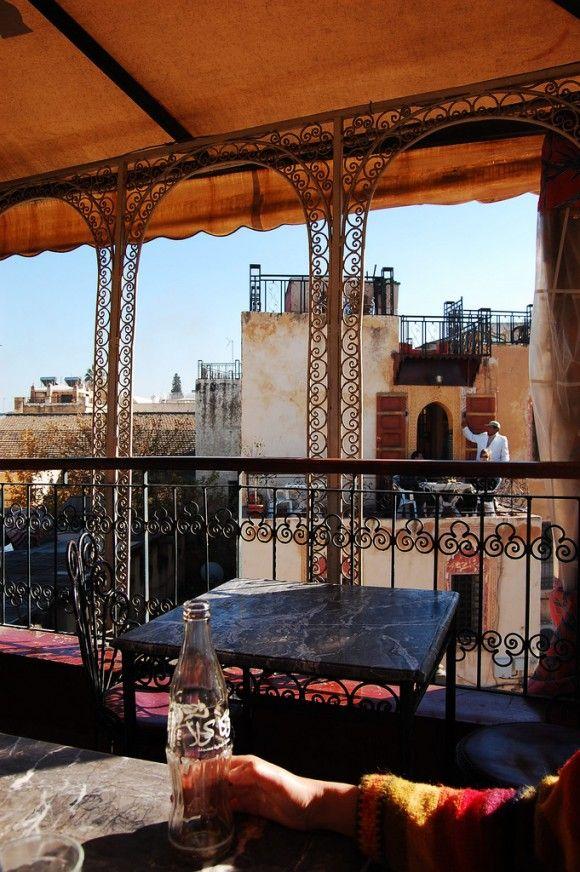 シャウエンの屋上カフェ <モロッコ観光・旅行おすすめ見所>