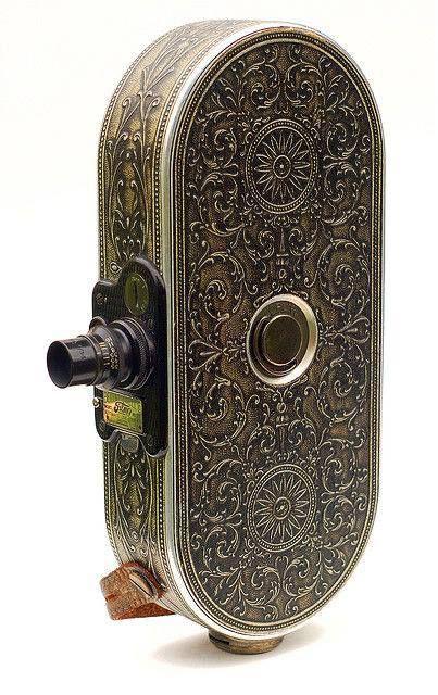 1928 senesine ait gümüş kaplama film kamerası...