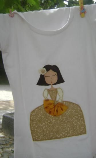 camiseta menina  pintura textil,telas pintado,cosido