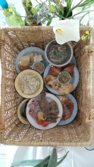 Picnic basket for a wedding feast