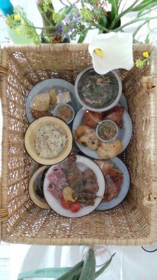 Picnic basket for a wedding feast