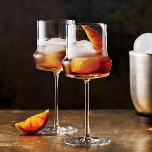 From easy party punches to craft cocktails by master mixologists, F&W's ultimate Thanksgiving cocktail guide offers tasty drinks for your holiday celebration.