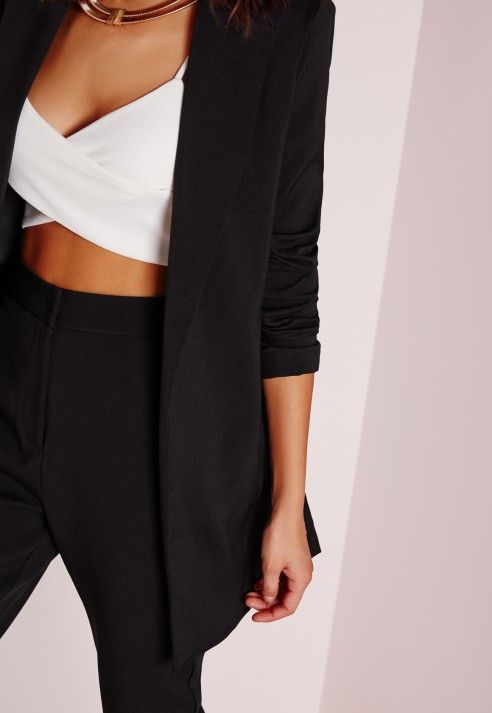 Get the layered look this season and up your style game with this tailored long line Light grey blazer. This supper classy jacket with long collar detail is seriously kickass. Team up with some jeans a bodysuit and heels for a flawless fash...