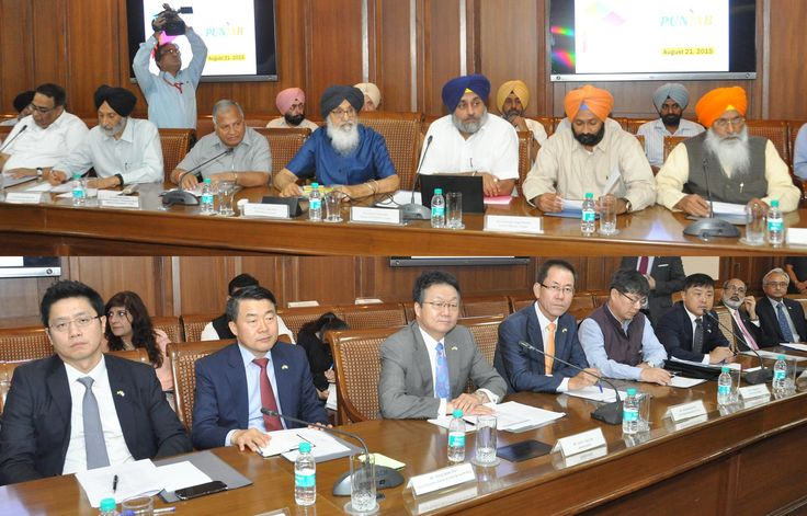 Punjab Chief Minister Sardar Parkash Singh Badal offered a plug and play industrial park adjoining the international airport, Mohali exclusively to prospective South Korean investors for setting up their ventures in the state. #Youth#Akali#Dal #CM#Parkash#Singh#Badal #Sukhbir#SinghBadal