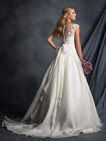 Alfred Angelo Bridal Style 2518 (Back)