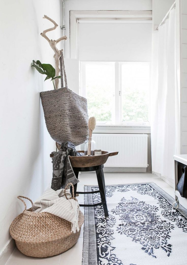White White And More White Coupled With A Few Vintage Finds Makes This A Simple