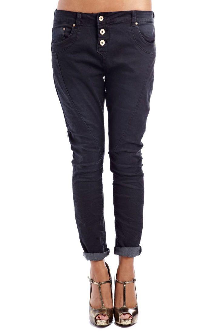 Q2 - Black boyfriend jeans with open button