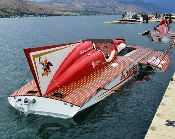 Original Miss Budweiser Miss Bud stern view, classic unlimited class hydroplane hydroplanes hydro hydros racing boat boats
