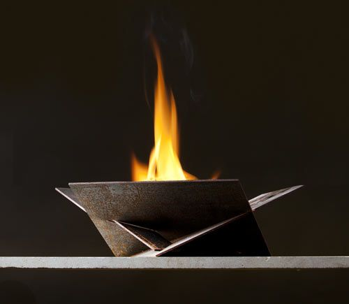 Steeldesigns is the side project of architect Daniel Williams, who decided to begin creating fire bowls