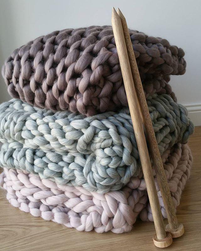 Knitting Patterns For Chunky Wool Blankets : Best 25+ Merino wool ideas on Pinterest Chunky blanket, Large knit blanket ...