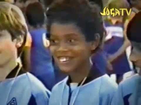 NIKE - Joga Bonito Ronaldinho