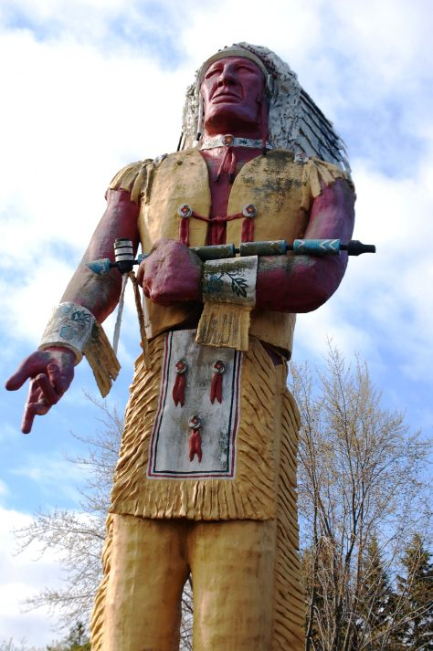 Hiawatha - the world's tallest Indian statue. The 52-foot ...