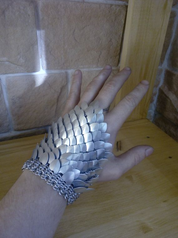Escala guante escamas gauntles larp ciber armadura consiguió comicon de fantasía medieval cosplay unisex