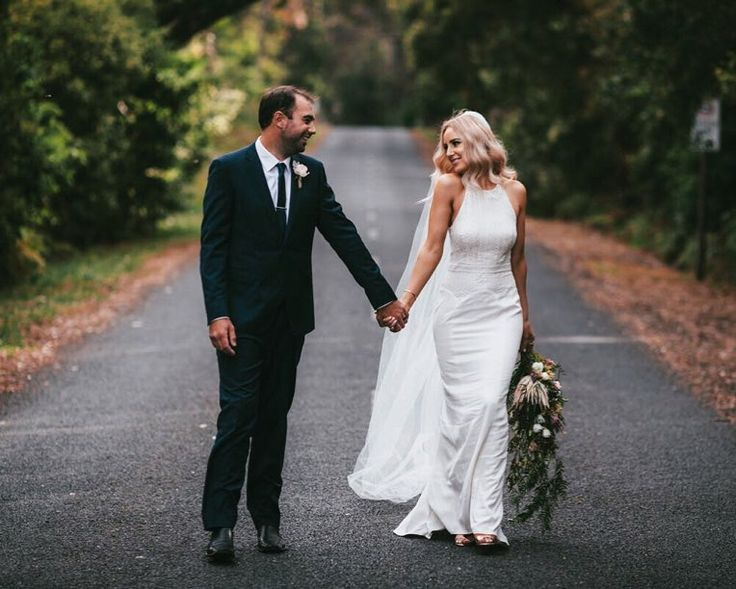 Brooke and Stephen  looking lovely and relaxed at Panorama House. #wollongongweddingphotographer #sydneyweddingphotographer #brideandgroom #sydneywedding #weddingphotographer #weddingphotography #wedding