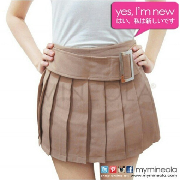 MINEOLA pleated pants skirt. Get it for only Rp.215.000,-. Call our CS for ordering.