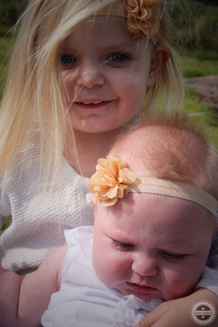 Www.facebook.com/lievhip #follow #hip #schattig #lief #baby #girl #meisje #cute #haarband #haarbandje #headband #flower #bloem #fotoshoot #photoshoot #shoot #foto #haaraccessoires #hairaccessoires #webshop #facebook #winkel #accessoires #sieraden #zusjes