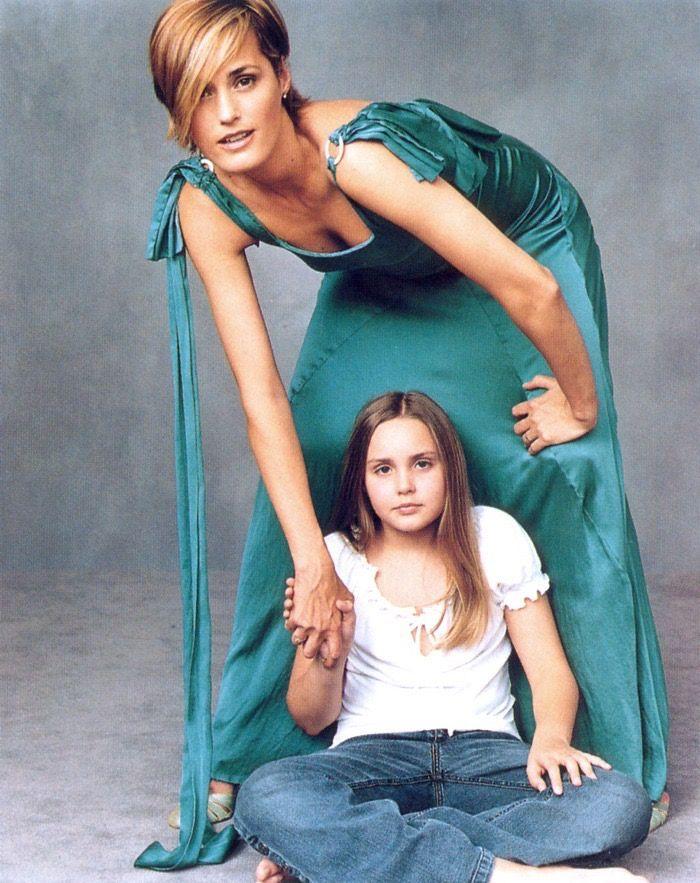 Yasmin and Saffron Le Bon by Annie Leibovitz - Us Vogue July 2002
