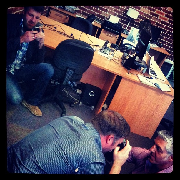 "@gabsiscoding's photo: ""#pmhq @photomerchant the guys busy at work!"""