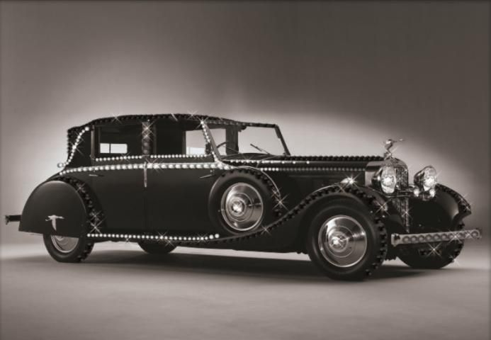 """Картина со стразами """"Hispano-Suiza""""  Тип выкладки: Частичная Тип страз: Круглые, прозрачные Размер 30 х 42 см  #алмазнаямозаика #картиныстразами #картинастразами #картинаизстраз #алмазнаявышивка #машина #классика #ретро #чб #ретроавтомобиль #скидки #umkas"""