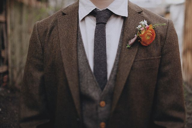 a poppy boutonnière would be lovely