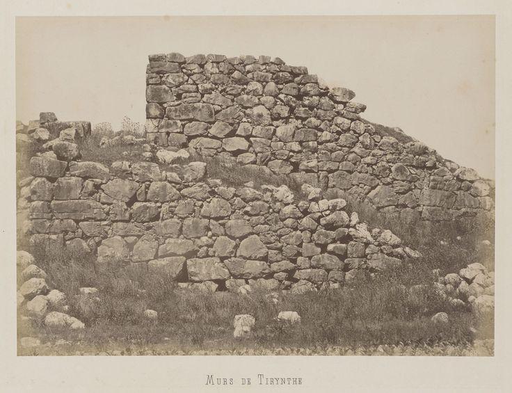 Tirynthe, Péloponnèse. Murs de l'enceinte                     mycénienne © Musée Guimet, Paris, Distr. Rmn / Image Guimet