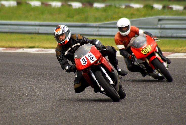 my RD 350 Hybrid Racetrack Poznan, Friend with a Cagiva Mito / RD350