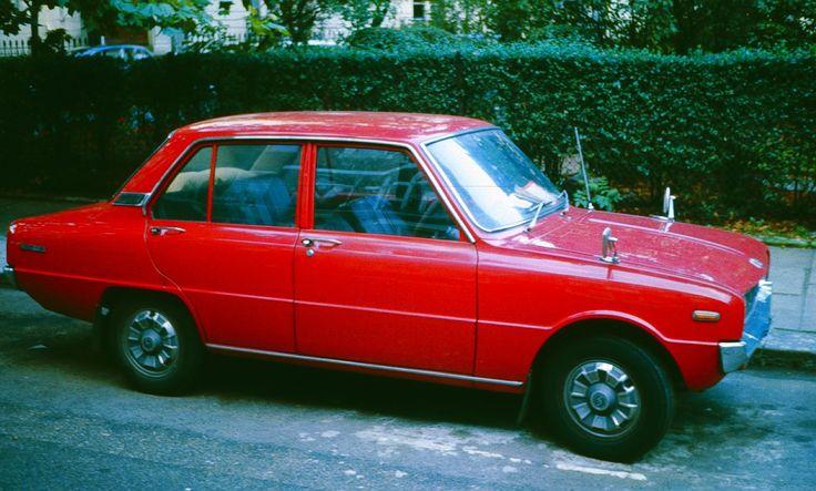 Mazda_1000_4_door.jpg 1.922×1.158 pixels