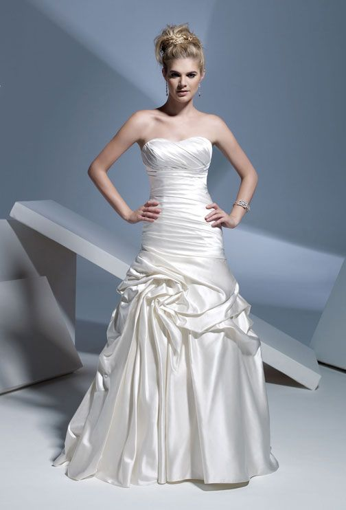 Strapless natural waist lace-up back satin wedding dress