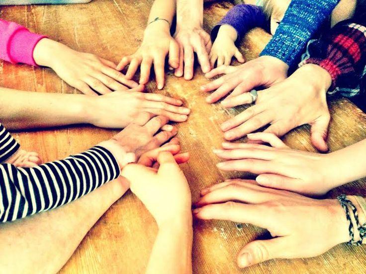 Tiesitkö, että sosiaalinen yhteys, tai sen puuttuminen, vaikuttaa terveyteemme enemmän kuin ylipaino, tupakointi tai korkea verenpaine? #novelle #perhe # family #connection #socialconnection #autumn #immunityboost #vastustuskyky  Tutkimusmatkani vastustuskyvyn juurille on alkanut tuottamaan timantin arvoisia löydöksiä. Tällä kertaa Standfordin