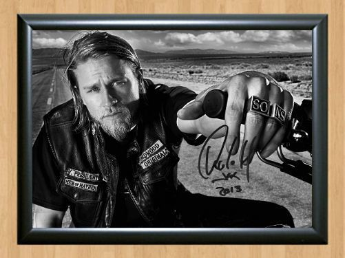 CHARLIE HUNNAM AUTOGRAPHED SIGNED /& FRAMED PP POSTER PHOTO