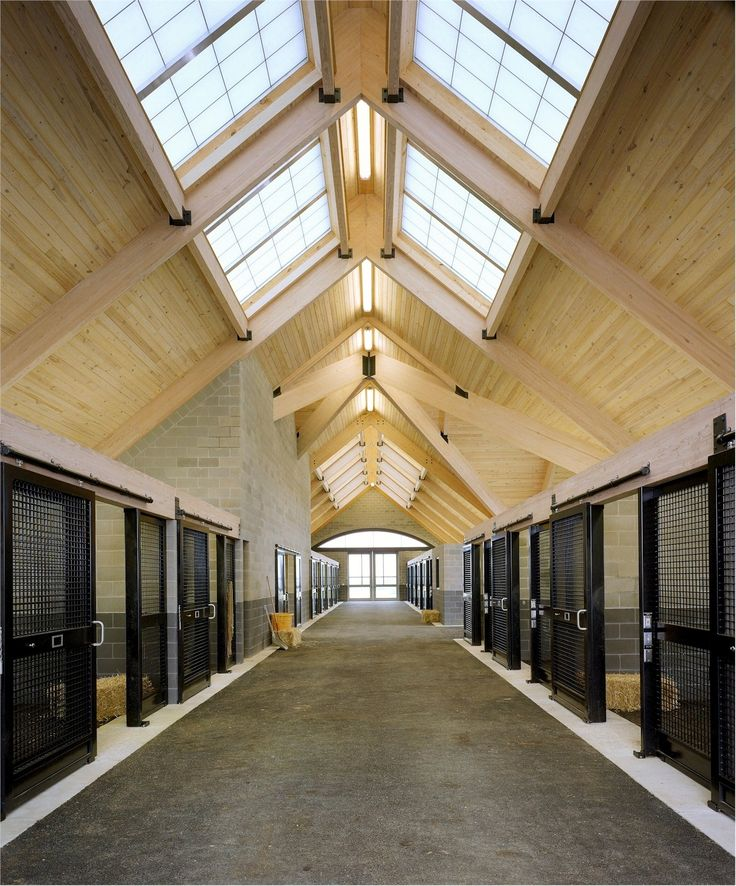 Awesome Barn. Tenlane Farm Stable Aisle. Architect: Joe Martinolich. #projectCMW