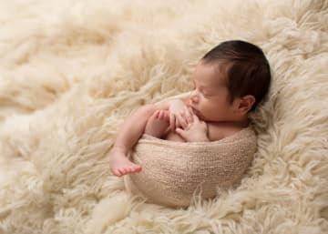 Una fotógrafa crea retratos insoportablemente tiernos de bebés durmiendo