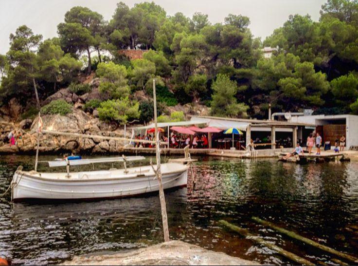 El Bigotes in Santa Eulalia del Río - kleines nettes Fischrestaurant am Wasser