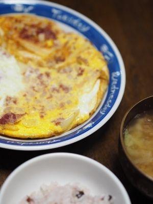 コンビーフハッシュのオムレツ レシピ・作り方 by hiromi426|楽天レシピ