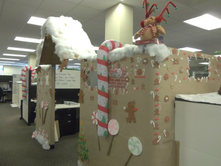 Cubicle Décor Ideas To Make Your Home Office Pop: Bring Your Holiday Spirit To The Office With This