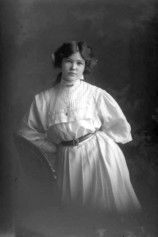 Miss H Coyle 1909 - Auckland Libraries