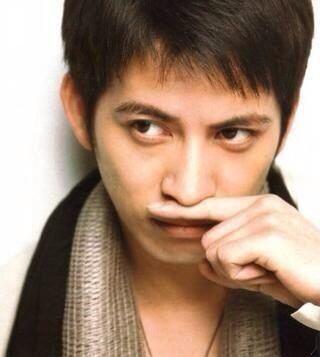 V6 Junichi Okada