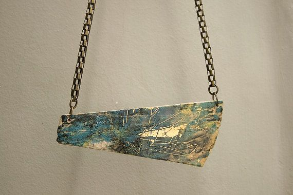 Handmade stoneware necklace. Gold details pendant. Handmade