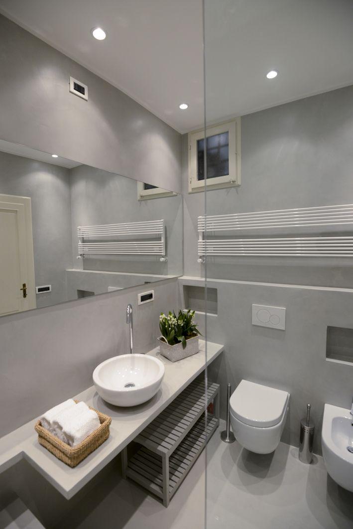 Via Santa Croce Lucca 4 bathroom