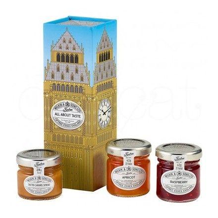 La tienda online de productos gourmet 'Érase un gourmet' ofrece esta caja de cartón Big Ben que contiene mermalada de frambuesa, mermelada de albaricoque y crema untable de caramelo con sal. Marca Tiptree.