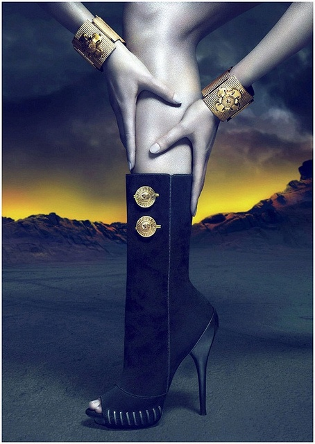 Versace FW 10/11Black Booty, Sexy Boots, Versace Boots, Fall 2011Campaign, Fashion Photography, Fashion Editorial, Fall Winter, Shoes Shoes, Versace Fall