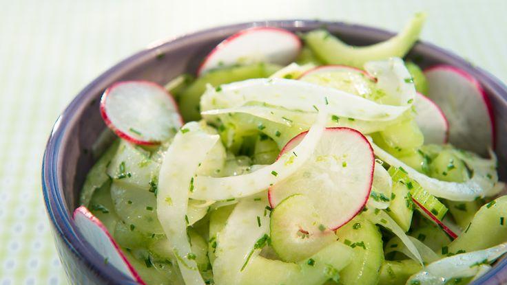 Agurk- og fennikelsalat med mynte  Frisk og god salat  Foto: Paal Andre Schwital