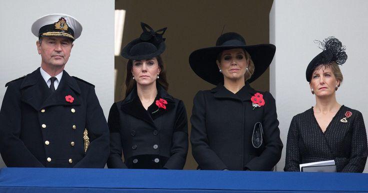 """Zum""""RemembranceSunday"""" kamen Herzogin Kate und KöniginMáximain London zusammen. Und zeigten sich in Trauer vereint."""