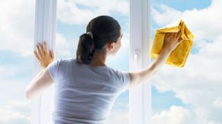 Секреты идеальной чистоты - как вымыть окна без разводов