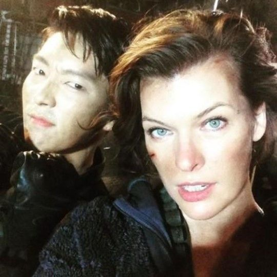 "¡Parece que la próxima parada del actor Lee Jun Ki es Hollywood! De acuerdo a fuentes de la industria cinematográfica y la agencia de Lee Jun Ki, Namoo Actors, el actor formará parte del elenco del filme ""Resident Evil 6: The Final Chapter"". Aunque detalles sobre su personaje no han sido revelados, ..."