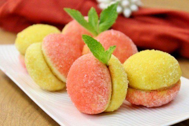Cakes Peaches